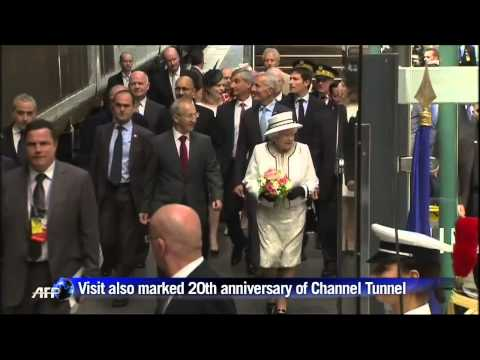 Queen Elizabeth arrives in Paris for D-Day commemorations