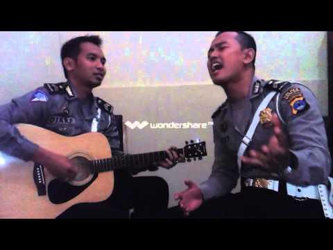 download lagu COVER DIUJUNG JALAN BY POLTENG LANTAS BA gratis