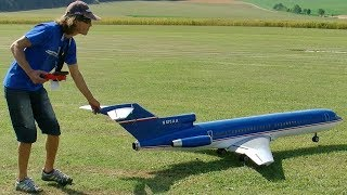 GIANT RC BOEING-727 SCALE MODEL AIRLINER TURBINE JET FLIGHT DEMONSTRATION
