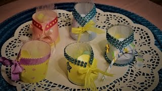 D.I.Y babyshower decorations y ideas , how to make a bootie with a cup