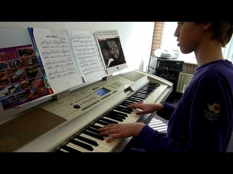 Lovely Michelle (played on Keyboard by Kasper) - Chieli Minucci&Special EFX!
