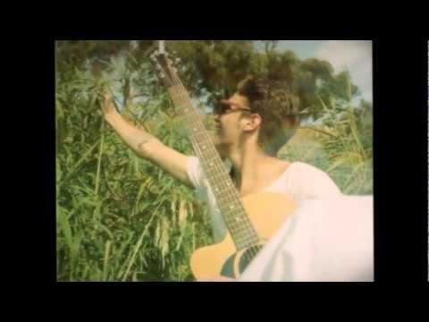 Lakyn Heperi - Dont Tell Me