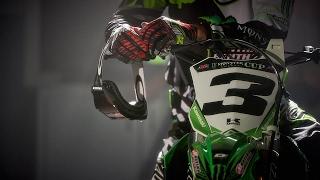 Eli Tomac Crash Update Arlington | 2017 AMA Supercross | Breaking News