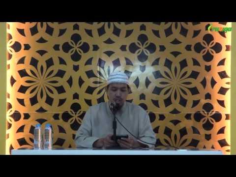 Ust. Muhammad Rofi'i - Menyemir Rambut Dengan Warna Hitam