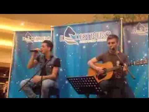 """Alessandro Casillo canta """"Niente da perdere"""" al Destriero Shopping Center 23/02/2014"""
