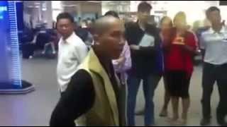 Thầy chùa chửi bới ở sân bay Tân Sơn Nhất