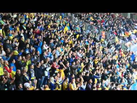 Беларусь - Украина: как Борисов-Арена скандировала Жыве Беларусь и Слава Украине