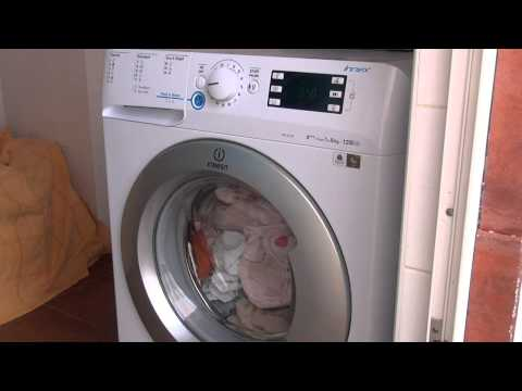 Funcionalidade Push & Wash. Máquina de lavar roupa INDESIT INNEX XWE 81283X WSSS