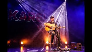 Karelia live - Mikko Sipola och en gitarr
