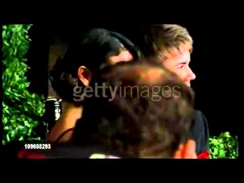 Justin Bieber & Selena Gomez - anity Fair Party  Red Carpet & Interviews thumbnail
