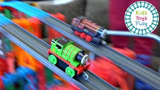 Thomas and Friends Mystery Wheel Downhill Races | Thomas Adventures