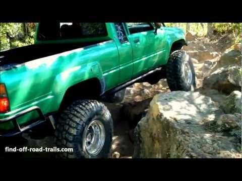 Badass Toyota Rockcrawler On 35's And Solid Axles. 22R Engine. Hilux