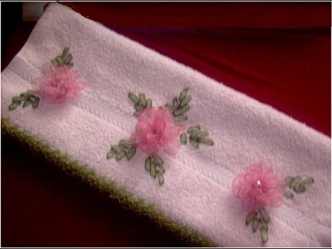 Bordados  con  cintas rosas de organza