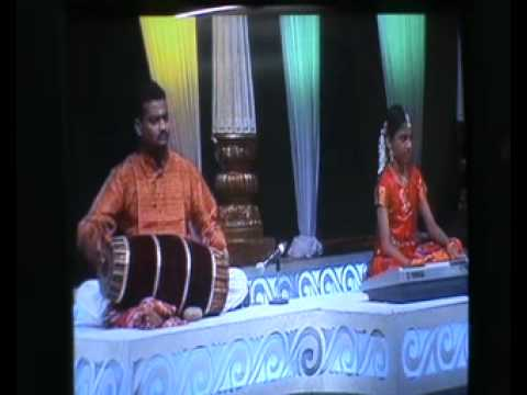 V.G.Vigneshwar plays Bomma bomma tha on lord Vinayaka