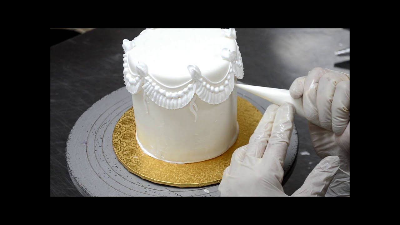 How to Decorate a Cake Cake Tutorial Video Piping on cake - YouTube