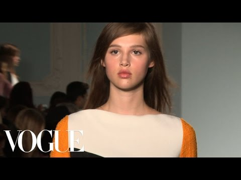 Roksanda Ilincic Ready to Wear Spring 2013 Vogue Fashion Week Runway Show