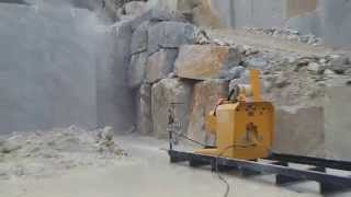 WIRE SAW S975EGV DAZZINI IN GIOIA - CARRARA QUARRIES