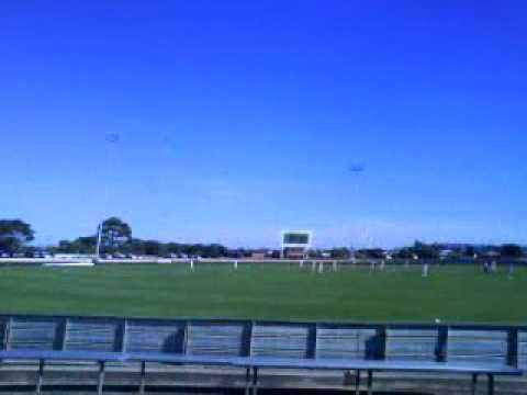 Watching Live Cricket in Devonport - Tasmania (February 2010)