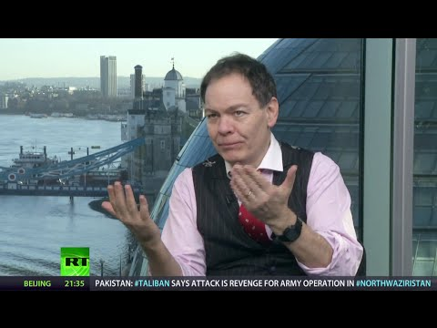 Keiser Report: Oil can combust & blow it all (E693)