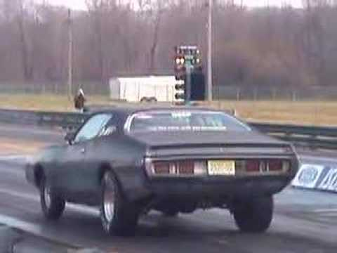 Drag racing Charger loses hood at 106 mph Video