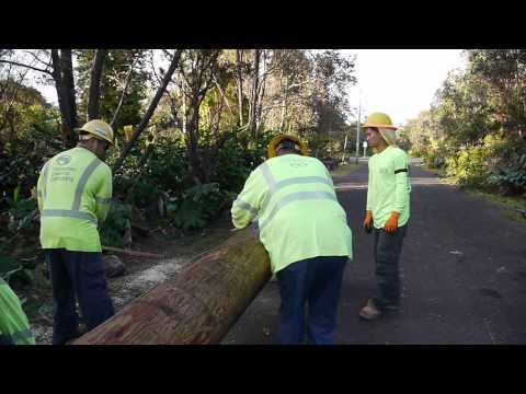 Hawaiian Electric crews join power restoration efforts...