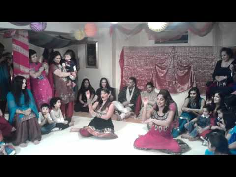 Soni Poochi Dance - In Aankhon Ki Masti video