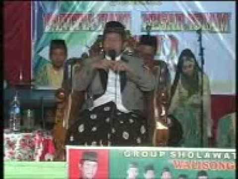 K.h Makruf Islamudin Dilapangan Sugihan Bulukerto video