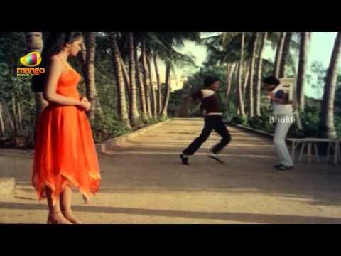 Kamal Haasan Trying To Impress Radha - Sindhoora Devi Movie Scenes - Baby Shamili, Vivek, Kanaka video