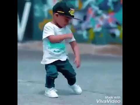 اجمل رقص طفل على اغنيه ارمينه thumbnail