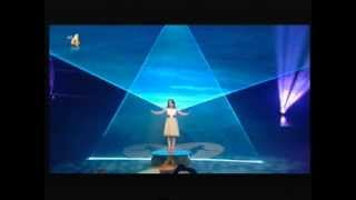 Amira Willighagen (9)  sings Nessun Dorma at HOLLAND