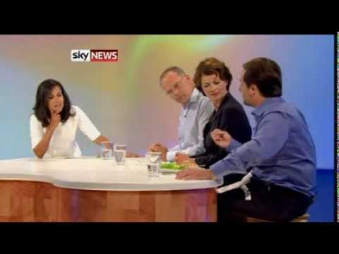 Test Tube Burger Tasted By Food Experts