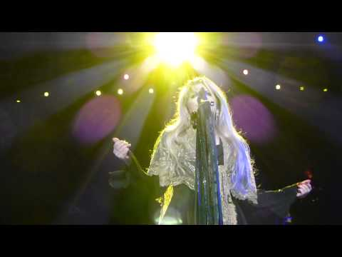 Gold Dust Woman Fleetwood Mac MSG April 8, 2013