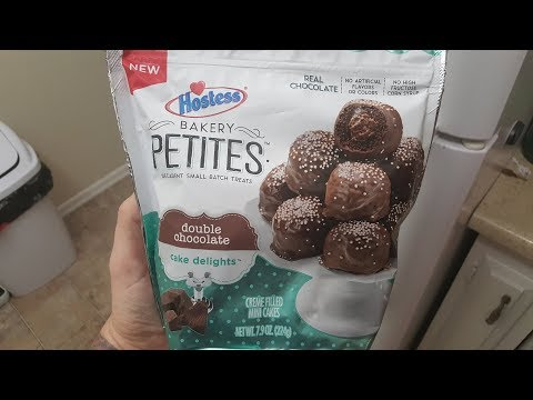 Hostess Bakery Petites Double Chocolate Cake Delights Review - WE Shorts