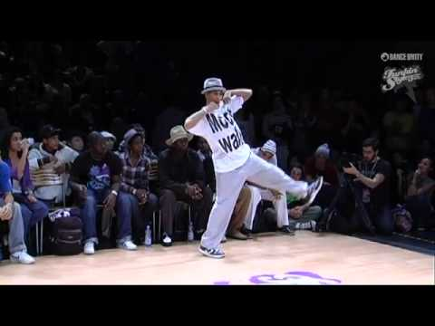 Funkin Stylez 2009 Only The Strong Popping Salah Vs Bruce video