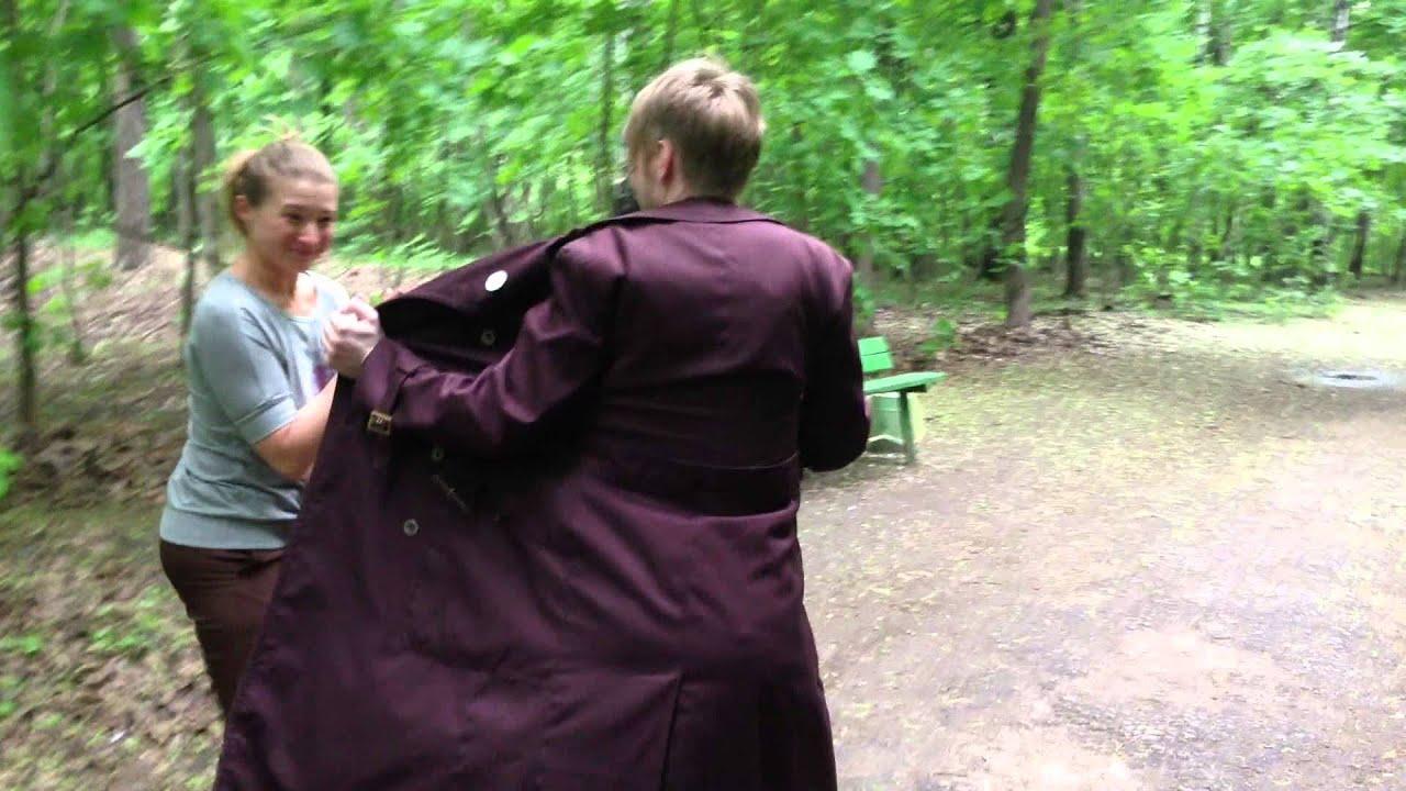 Эксбиционист в парке дрочит на проходящих девушек 18 фотография