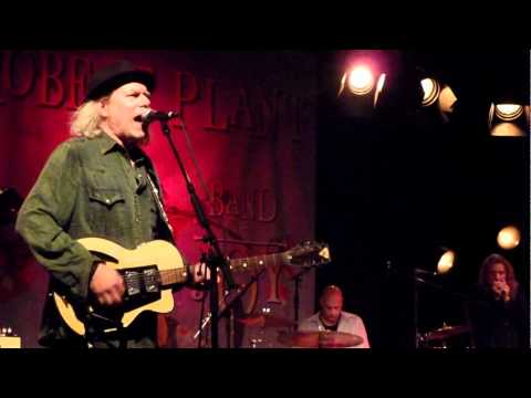 Buddy Miller - I'm Gonna Be Strong (Gene Pitney-cover)