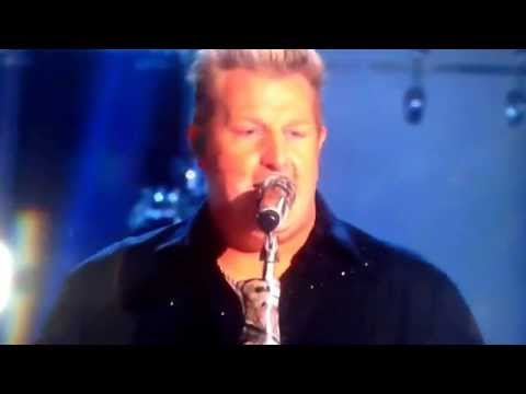 Christina Aguilera Joins Rascal Flats On The Country Music Awards, Madame X Owns The Cmas Xtina video