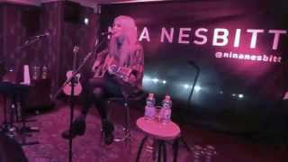 Nina Nesbitt — Selfies, Reside Acoustic @Imperial Berlin 28th Mar 2014