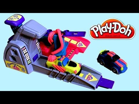 Play Doh Demolition Derby Playset - Its Hot Wheels MAYHEM ! Mold n Launch Playdough Race Cars