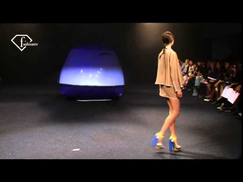 fashiontv | FTV.com - PARIS FW S/S 11 - JUNKO SHIMADA SHOW