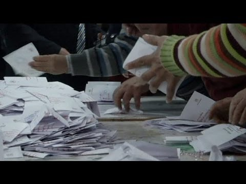 Egypt president sets date for referendum
