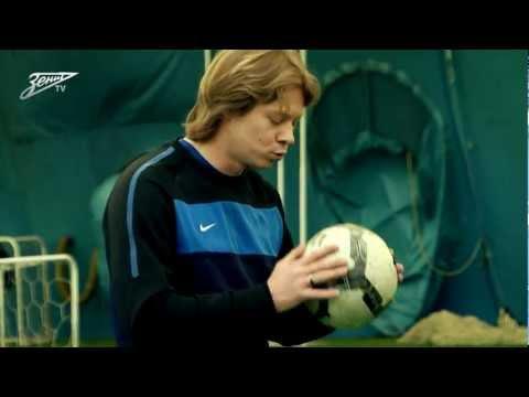 """јкадеми¤ футбола. """"рок є1. ∆онглирование м¤чом"""