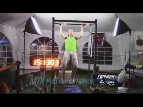 Teen Breaks Pull-up World Record | ABC News