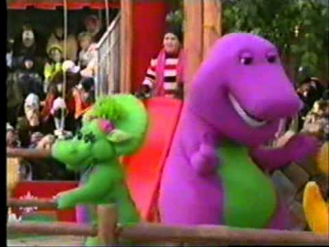 Barney in the 2002 Macys Thanksgiving Day Parade
