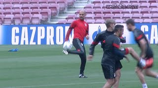 Guardiola comes back to Camp Nou and shows his skills / www.weloba.com