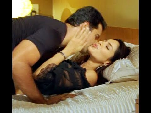 DOWNLOAD BED SCENE OF BOLLYWOOD
