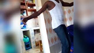 Funny kalenjin dancing a luo song