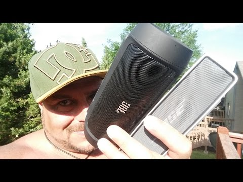 Amazing 720/60 Frames - JBL Charge vs Bose SoundLink Speaker