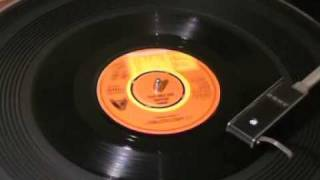 LORRAINE CHASE - 'It's Nice 'Ere, Innit?' - 45rpm 1979