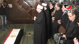 محلب وقائد المنطقة المركزية العسكرية يتقدمان جنازة عبد العزيز حجازي